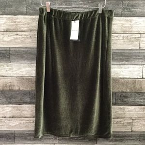 NWT Who What Wear olive green pull on skirt Large